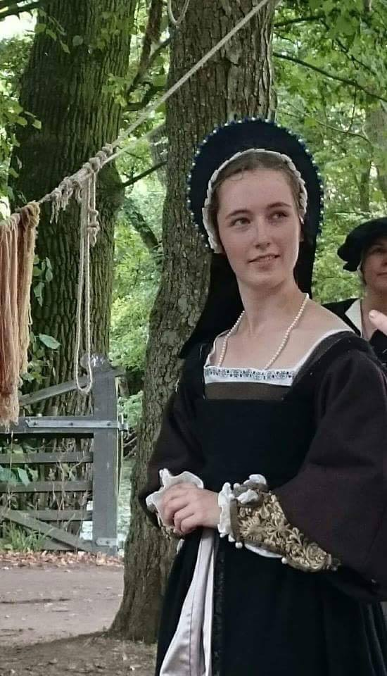 1530s Gentry Outfit