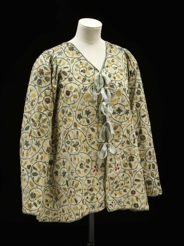 Loose fitting linen jacket c.1590-1630, V&A Museum