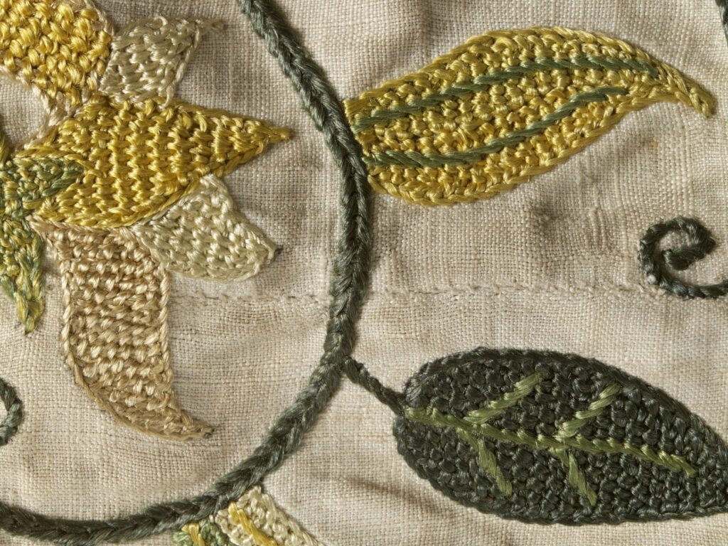 Loose fitting linen jacket c.1590-1630, V&A Museum, Detail